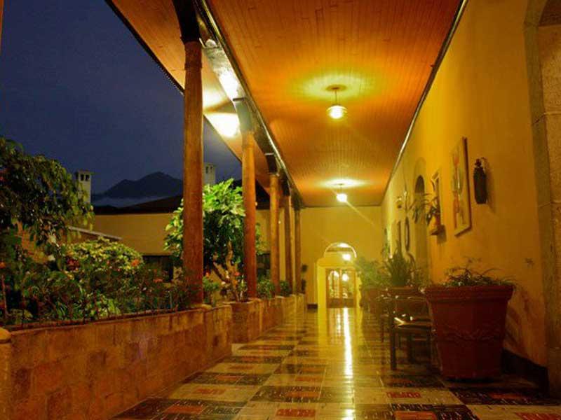 hotel-queztaltenango-terrasse
