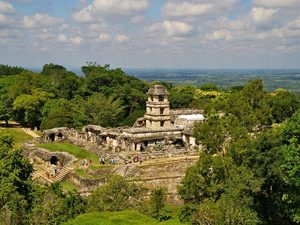 Mexiko-Palenque-Mayaruinen-Aussicht-Dschungel