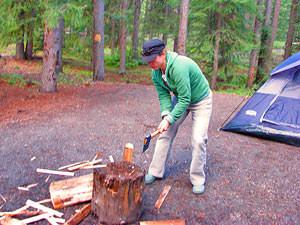 Kamperen in Canada en zelf hout hakken