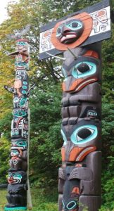 vancouver -stanleypark-totems 2