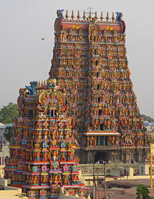 Der bunte Meenakshi Tempel in Madurai