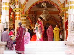 Der Tempel Swaminarayan Mandir im Herzen von Ahmedabad