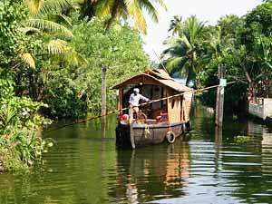 Hausboot-Tour durch Backwaters bei Indien Highlights Reise