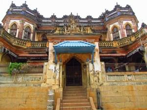 Prächtige alte Villa in Chettinadu im Süden Indiens