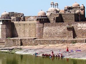 Außenansicht vom Palast in Chittorgarh