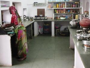 Blick in die Küche beim Homestay in Chittaugarh