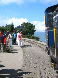 Fahrt mit der Schmalspureisenbahn.