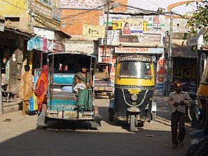 Mit dem Tuk Tuk in Delhi bei einer Rundreise durch Nordindien.