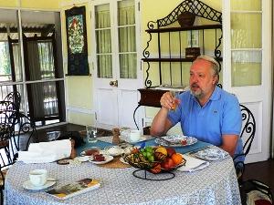 High Tea bei der Unterkunft in Assam