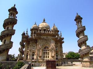 Das Mausoleum Mahabar Maqbara in Junagadh