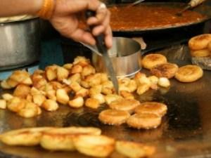 Eine kleine Zwischenmahlzeit in Indien.