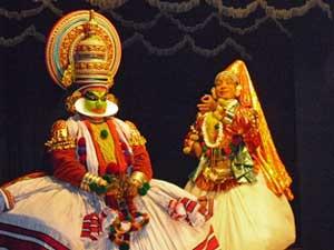 Tänzer während einer Kathakali Vorstellung in Cochin