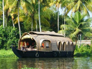 Hausboot in den Backwaters von Kerala
