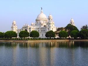 Victoria Memorial von Kolkata am Abend
