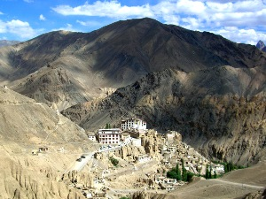 Das im Tal gelegene Lamayuru Kloster