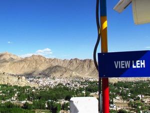 Ausblick von der Shanti Stupa in Leh