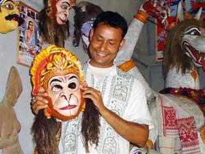 Die Insel Majuli ist bekannt für ihre farbenfrohen Masken.