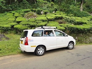 Privater Fahrer mit Auto für Ihre Indienreise.