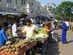 Bunter Markt in Mysore bei Individualreise durch Indien
