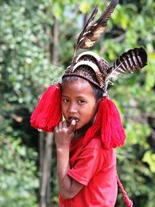 Kind aus dem Nagaland traditioneller Kleidung.