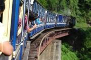Toy Train, Pujas und Wildlife im Himalaya