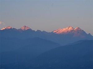 Aussicht auf die Berge bei Pelling in Indien