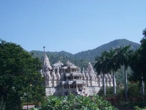 Üppig verzierter Jain Tempel in Ranakpur
