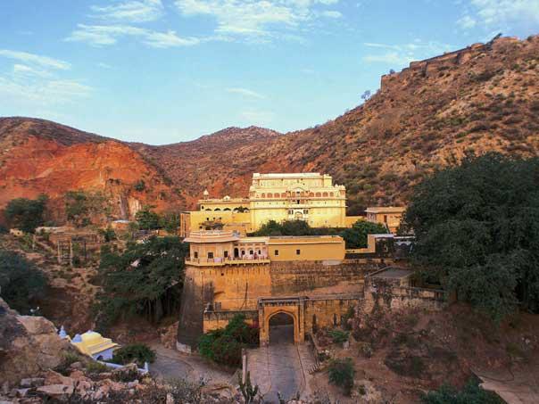 Kajastan Rundreise: Verbringen Sie ein paar Tage in einem prunkvollen Palast in Samode in der Nähe von Jaipur.