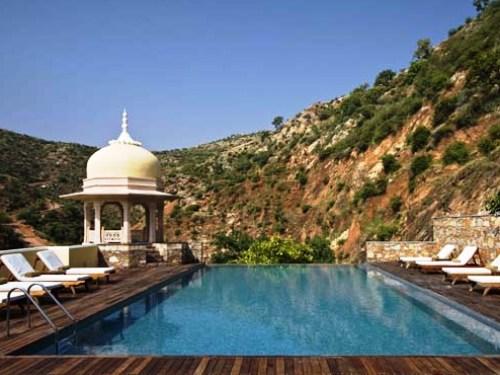 Kajsthan Rundreise: Entspannen Sie am Pool vom Samode Palast