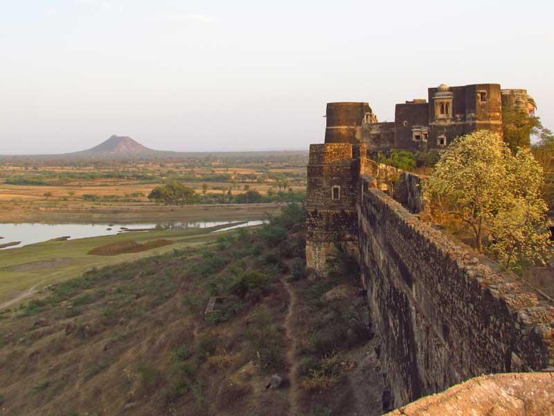 Kajasthan Rundreise: Ausblick vom alten Fort von Shahpura