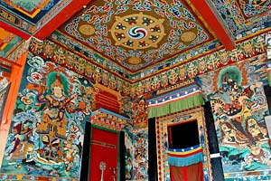 Reich bemaltes Kloster in Sikkim
