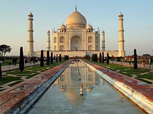 Weltwunder Taj Mahal in Agra bei Rajasthan Rundreise