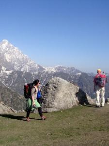 Touristen während der Trekkingtour im Himalaya