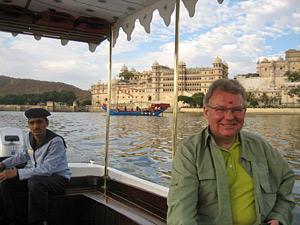 Tourist während Bootsausflug in Udaipur