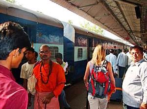 Am Bahnhof in Indien