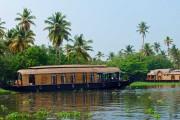 Bunte Tempel, wilde Elefanten und entspannte Backwaters
