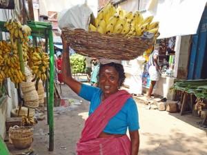 Inderin auf dem Markt in Madurai