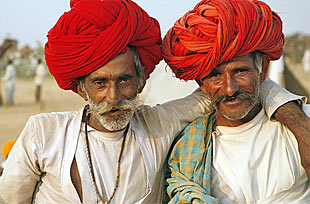 Kajasthan Runreise: Einheimische Männer mit Turban in Mandawa