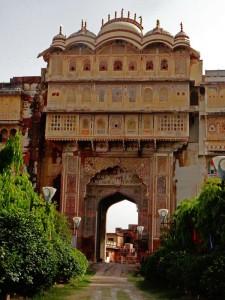 Eingangstor zum alten Palast von Karauli