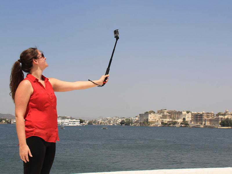 Selfie bei Bootstour in Udaipur über den Pichola See auf Indien Rundreise