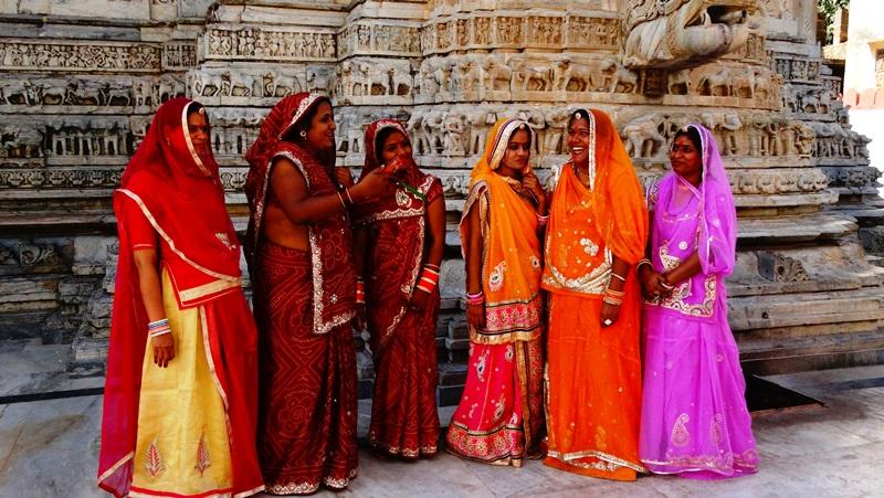 Frauen in Saris bei Nordindien Gruppenreise
