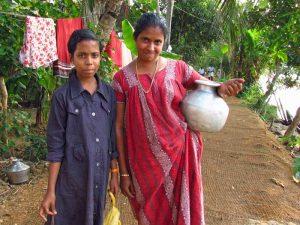 Einheimische bei Homestay in den indischen Backwaters