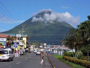 De Arenalvulkaan vanuit La Fortuna