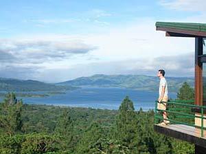 Uitzicht op het Arenal meer