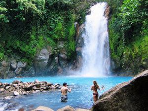 Spectaculaire waterval tijdens je Costa Rica vakantie