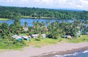 tortuguero village costa rica