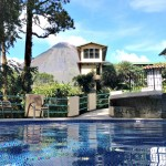 Zwembad bij Arenal vulkaan