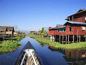 Dorf auf dem Inle-See