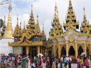 Das Gelände der Shwedagon Pagode