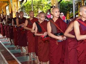 Speisung der Mönche